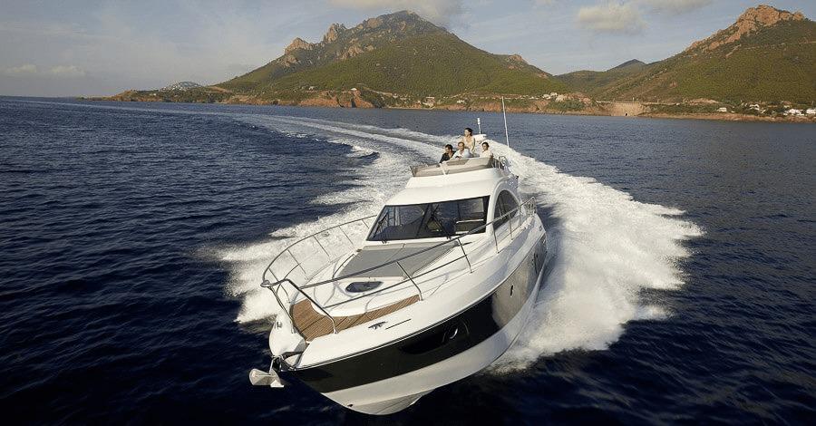 Location BENETEAU Monte Carlo 47 Fly à Ajaccio   www.uni-bateaux.com
