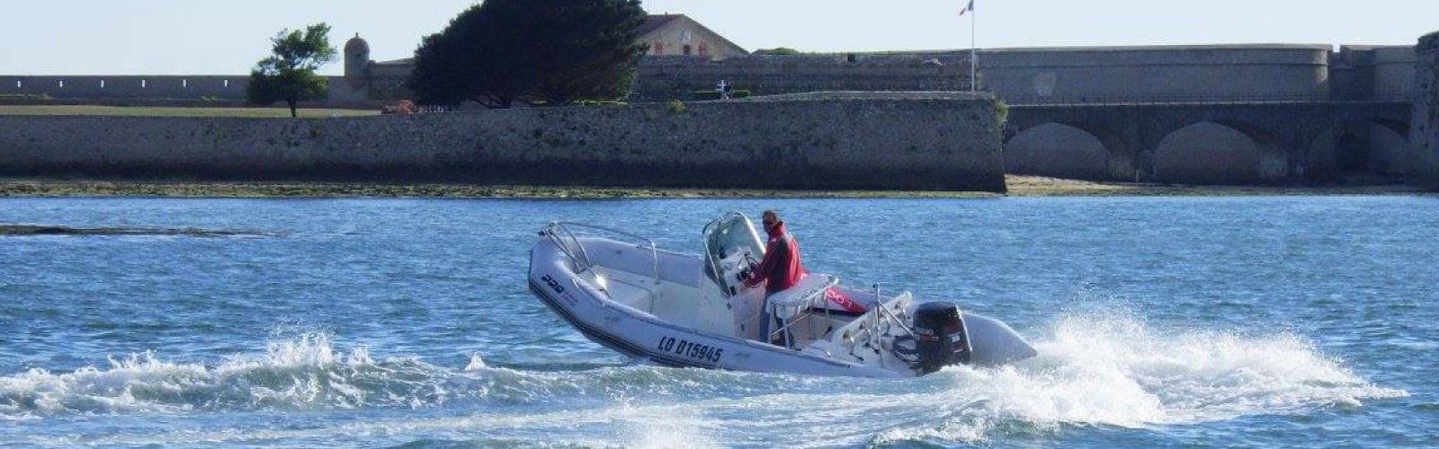 Photo du bateau à moteur ZODIAC Pro Open 650