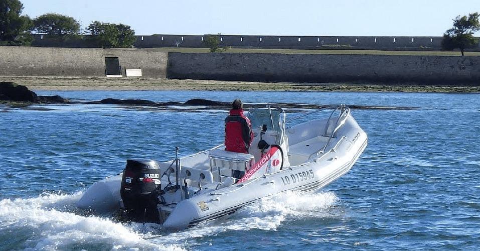 Location ZODIAC Pro Open 650 à Lorient | www.albatros-evasion.fr/