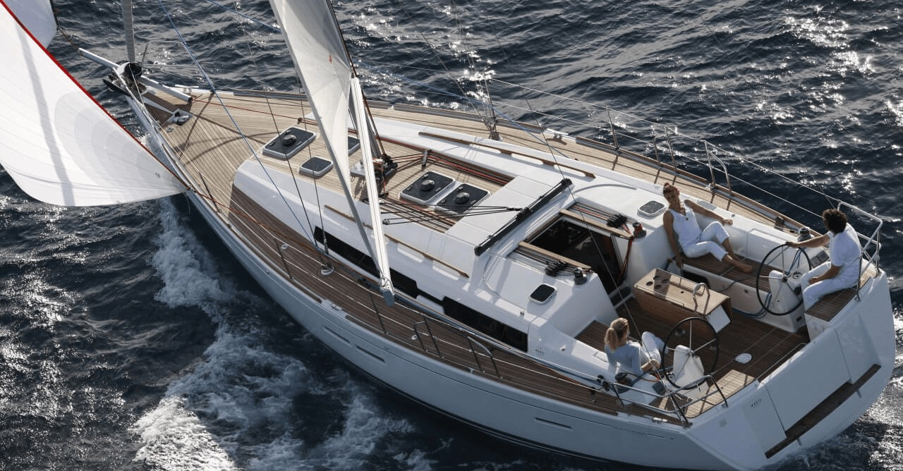 Location DUFOUR 405 Grand Large à Golfe-Juan | www.systemboat.com