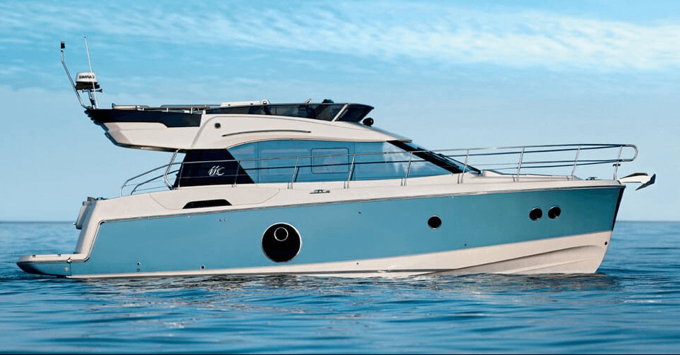 Location BENETEAU Monte Carlo 4 à Ajaccio   www.uni-bateaux.com