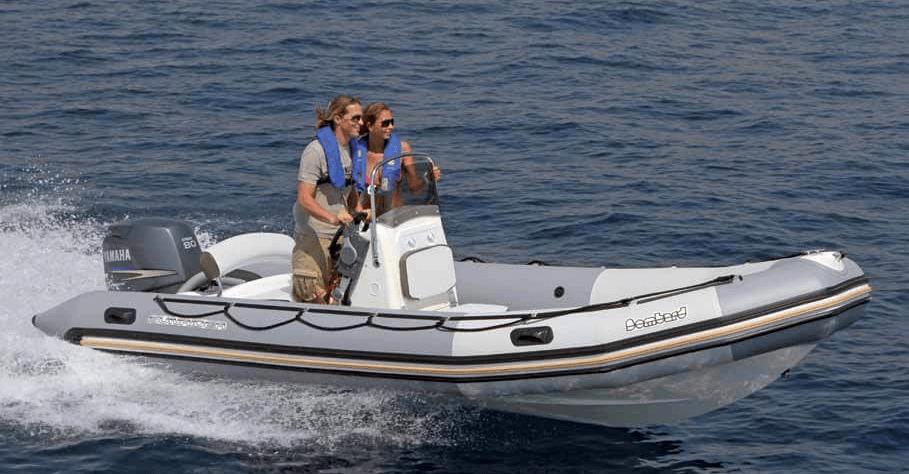 Location BOMBARD Sunrider 550 à Ajaccio   www.uni-bateaux.com