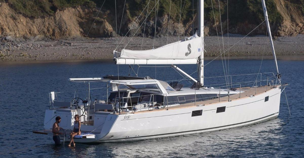 Location BENETEAU SENSE 51 à Ajaccio   www.uni-bateaux.com
