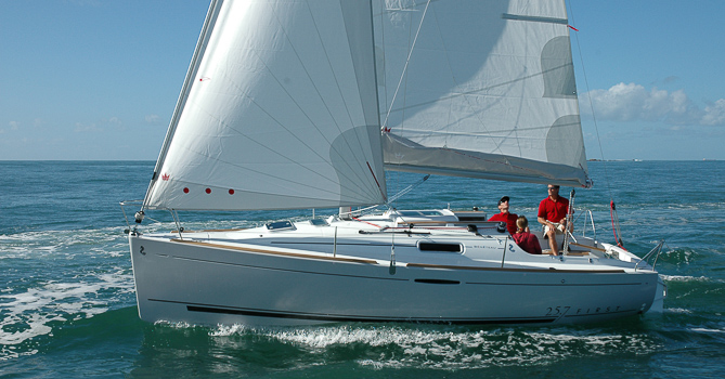 Location BENETEAU FIRST 25.7 à Hendaye | www.mobydick-nautisme.com/category/location/?op=Moteur